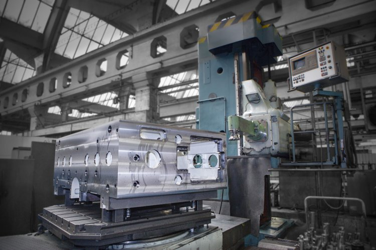 NC HORIZONTAL BORING AND MILLING MACHINES