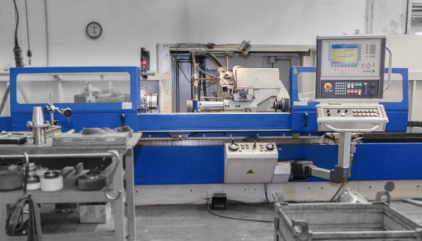 Lightweight NC grinding machine for rotary surfaces BUB 50 NC